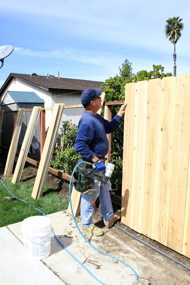 build_your_new_fence_this_summer